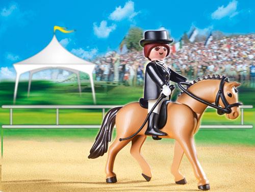 Comment plier les coudes à cheval ?
