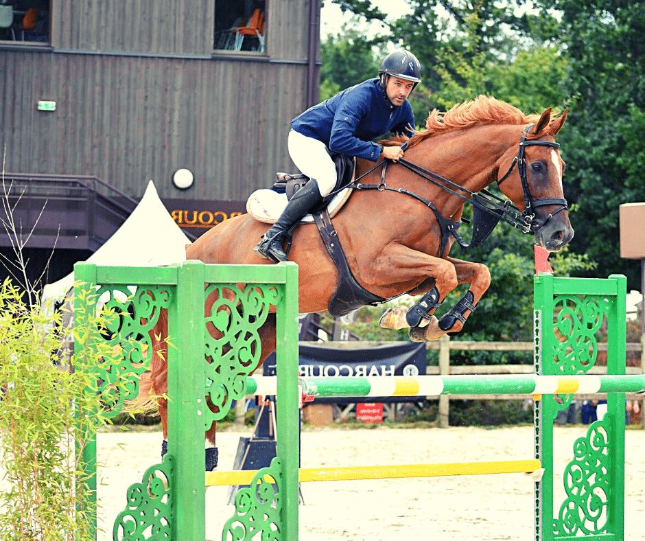 Comment travailler un cheval qui charge a l obstacle ?